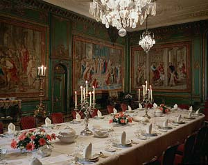 A043_Formaldinnertable_germany.jpg - 35567 Bytes