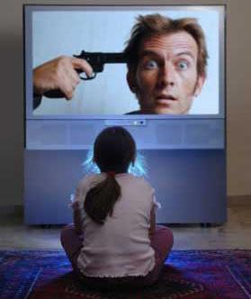 Chld delante de la TV