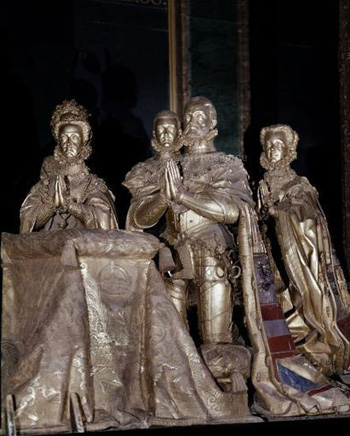 Felipe II rezando con su familia