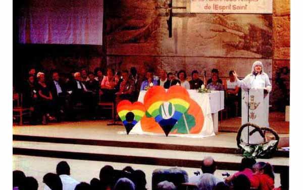 Rainbow Corazones en santuario mariano 01