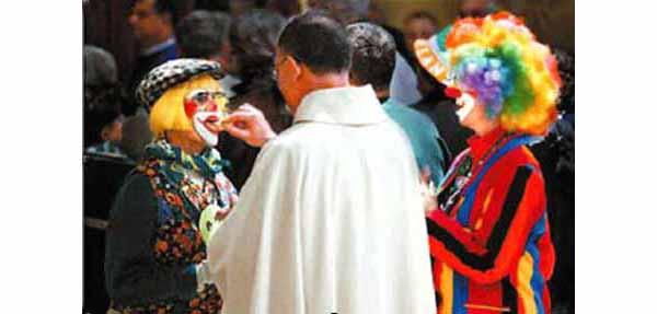 [Image: 330_ClownMass.jpg]