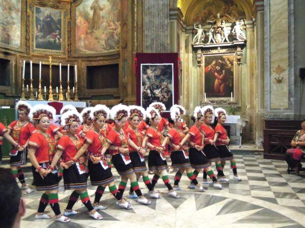 Dancing in Rome - San Bernardino Church 01