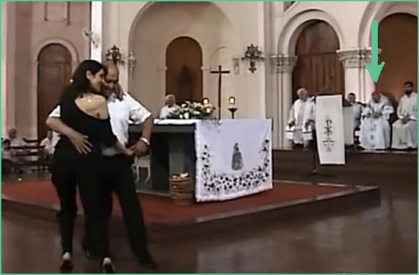 Archbishop Bergoglio in a tango Mass 1