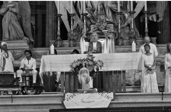 Afro Misa en la Basílica Madeleine, París 04