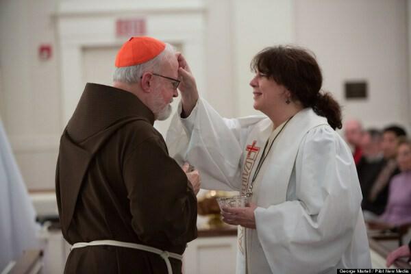 Cardenal OMally bendecido por Protestante